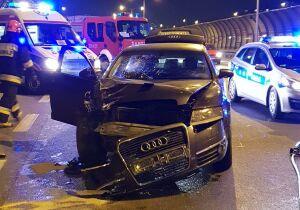 Dwa samochody rozbite na Trasie Toruńskiej. Ranni
