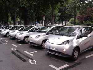 """Nie będzie miejskich aut na minuty. """"Rynek nie potrzebuje wsparcia"""""""