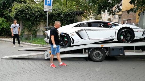 Zagadkowa podróż luksusowego lamborghini  AutoTesty.com.pl