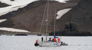 Ściągnie jachtu Polonus osiadłego na mieliźnie
