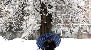 Śnieg w Sarajewie - zdjęcia z soboty (PAP/EPA/FEHIM DEMIR)